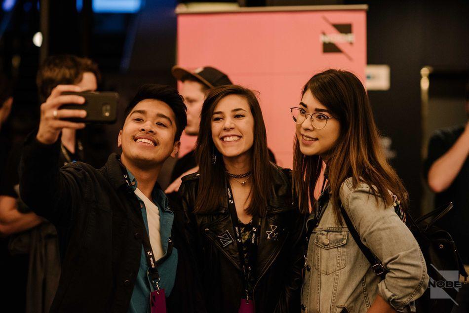 Jessica-Herrera & fans.jpg