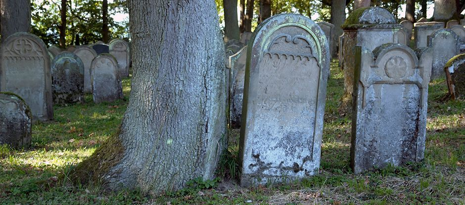 Tombstone for Gary.jpg